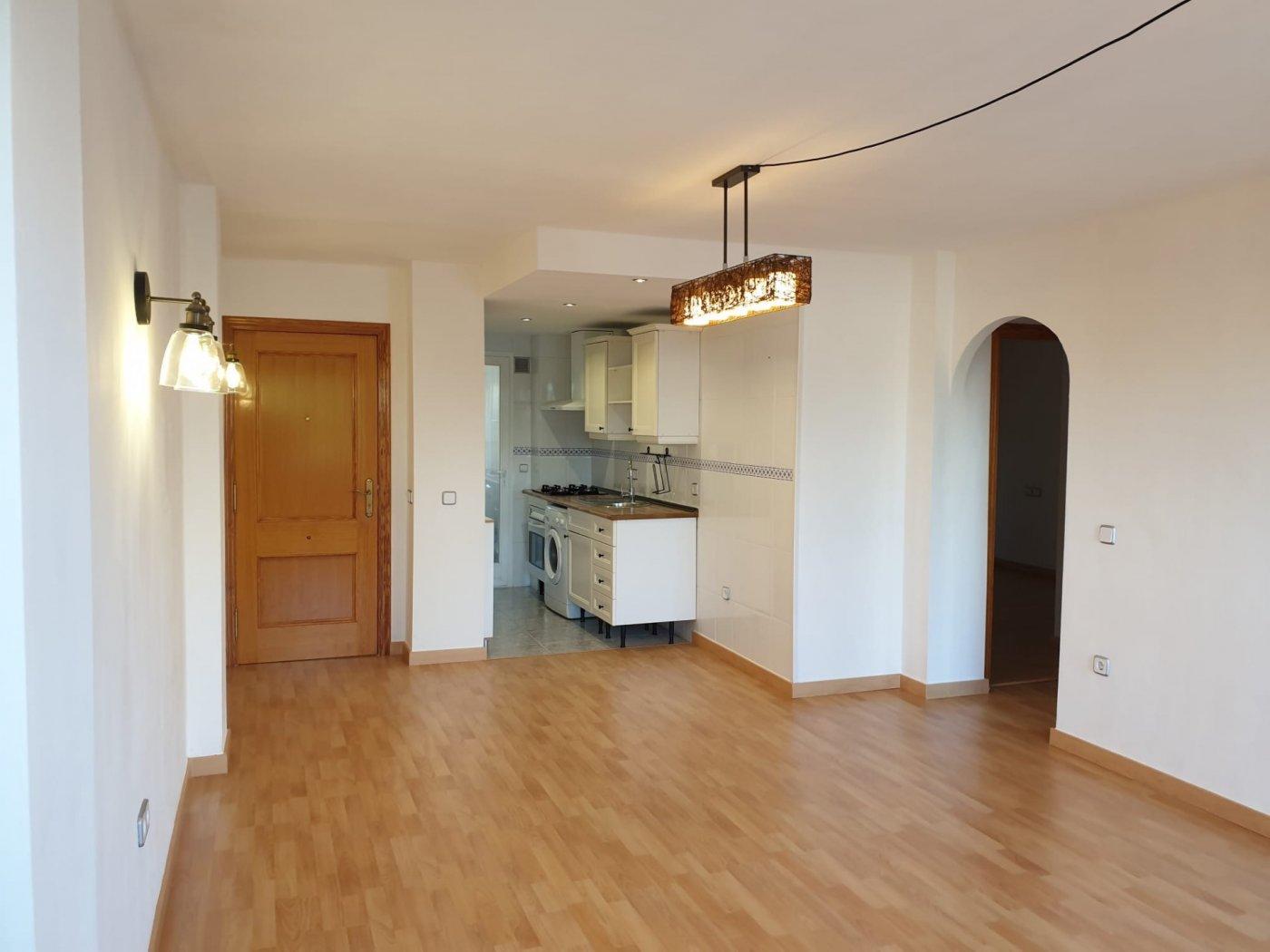 Coqueto piso de 2 dormitorios con plaza de aparcamiento en la vileta - precio: 800?/mes - imagenInmueble1
