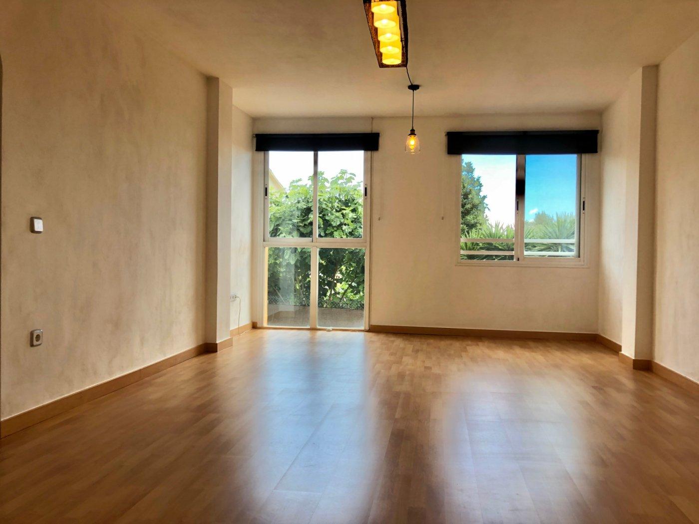 Coqueto piso de 2 dormitorios con plaza de aparcamiento en la vileta - precio: 800?/mes - imagenInmueble2