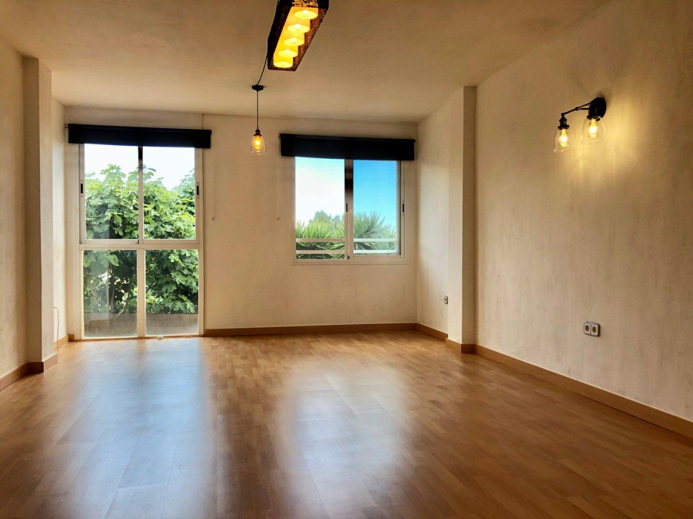 Coqueto piso de 2 dormitorios con plaza de aparcamiento en la vileta - precio: 800?/mes - imagenInmueble3
