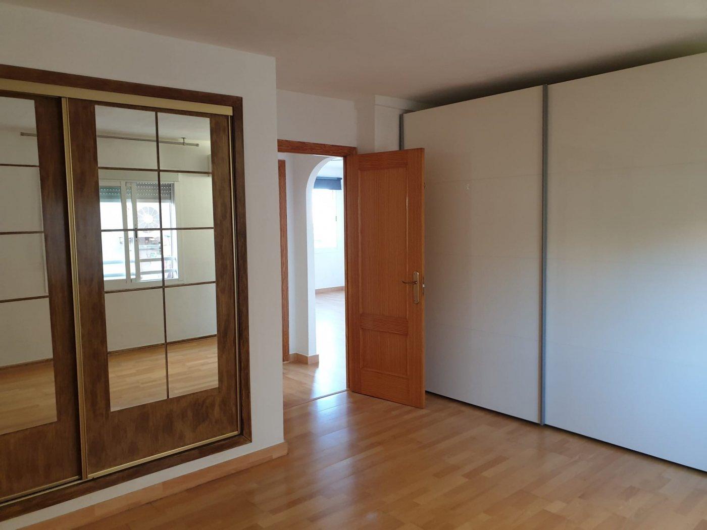 Coqueto piso de 2 dormitorios con plaza de aparcamiento en la vileta - precio: 800?/mes - imagenInmueble6