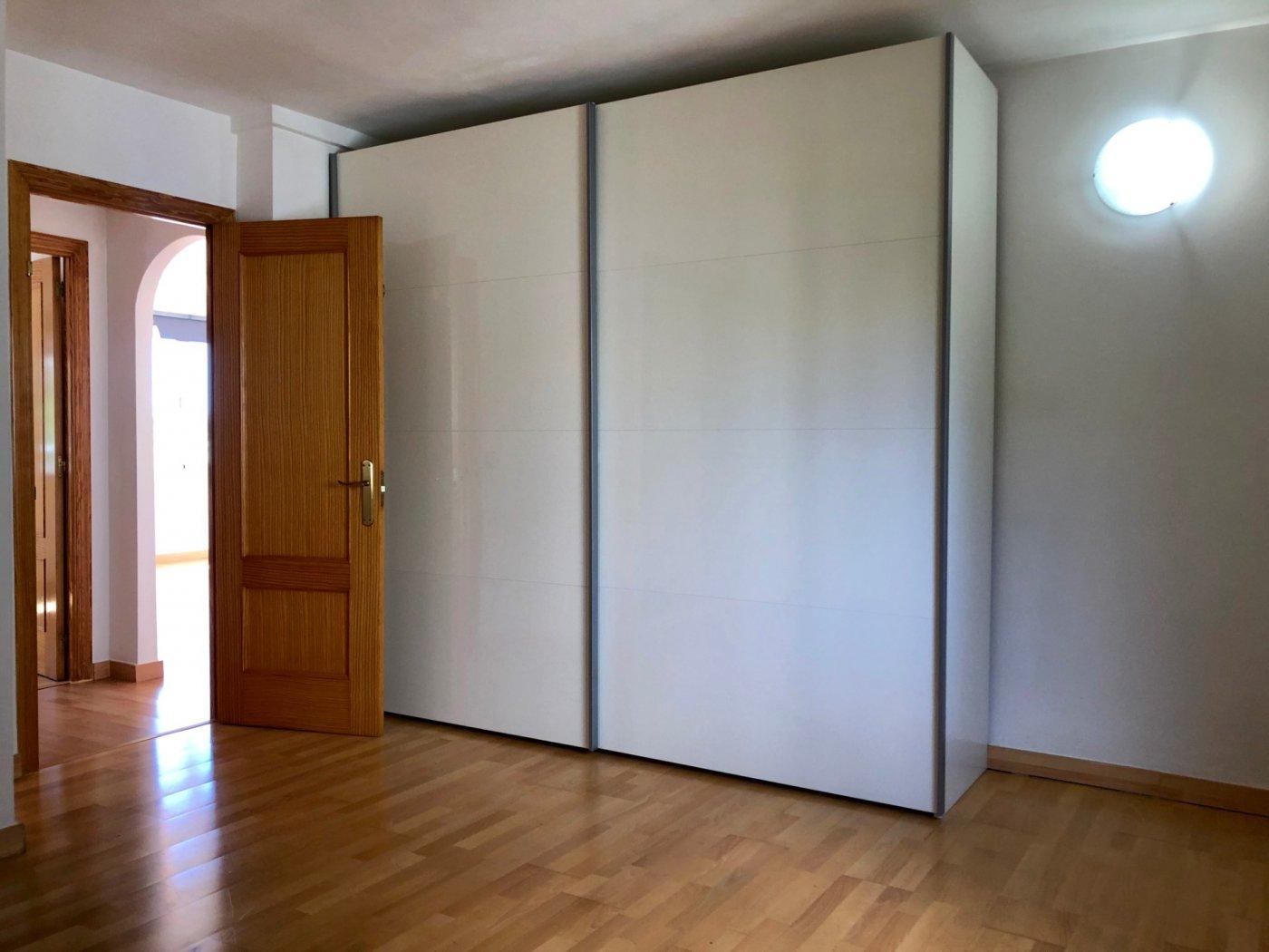 Coqueto piso de 2 dormitorios con plaza de aparcamiento en la vileta - precio: 800?/mes - imagenInmueble7