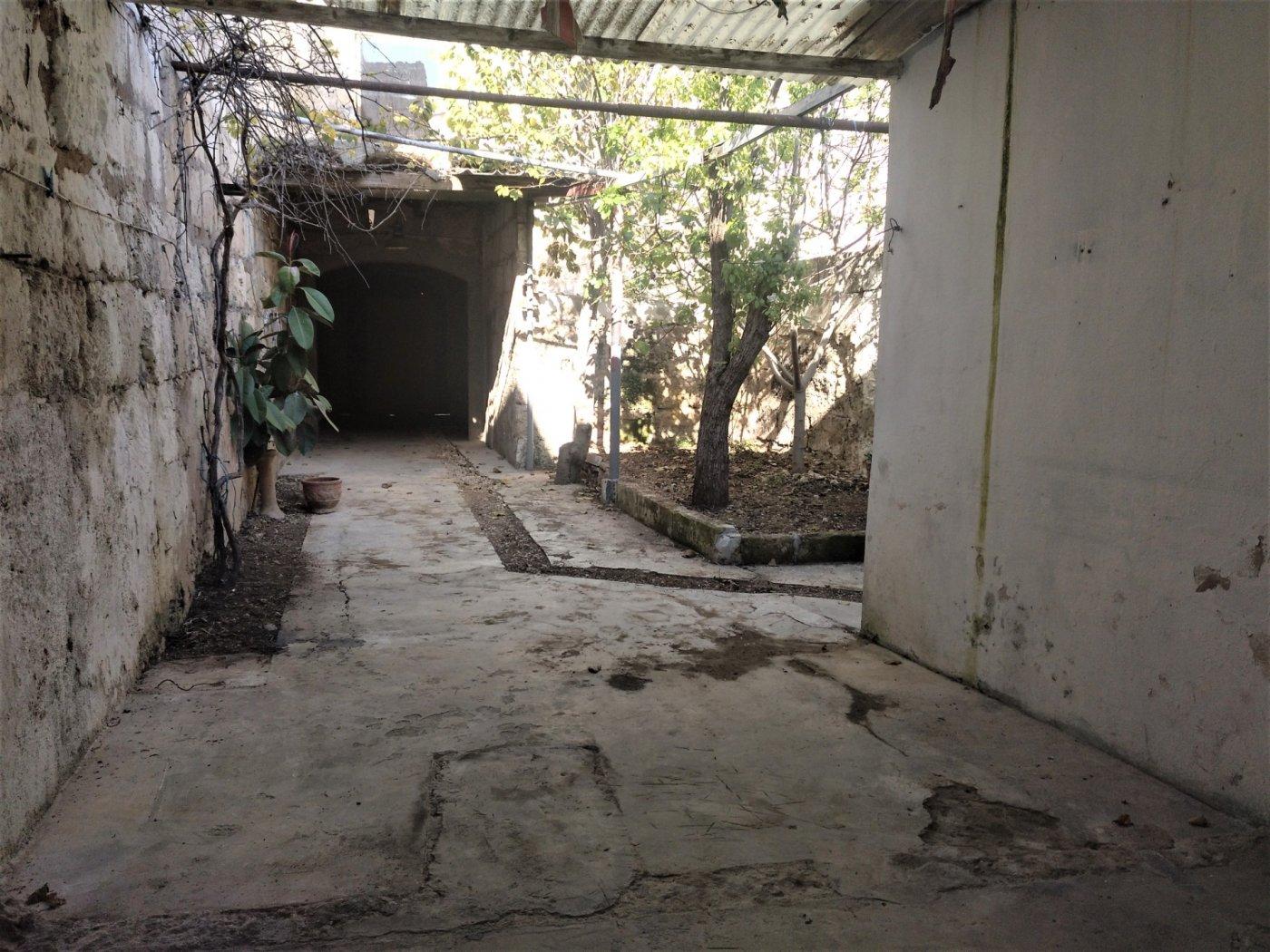 Planta baja a reformar con una altura y techo libre sa pobla pueblo - imagenInmueble14