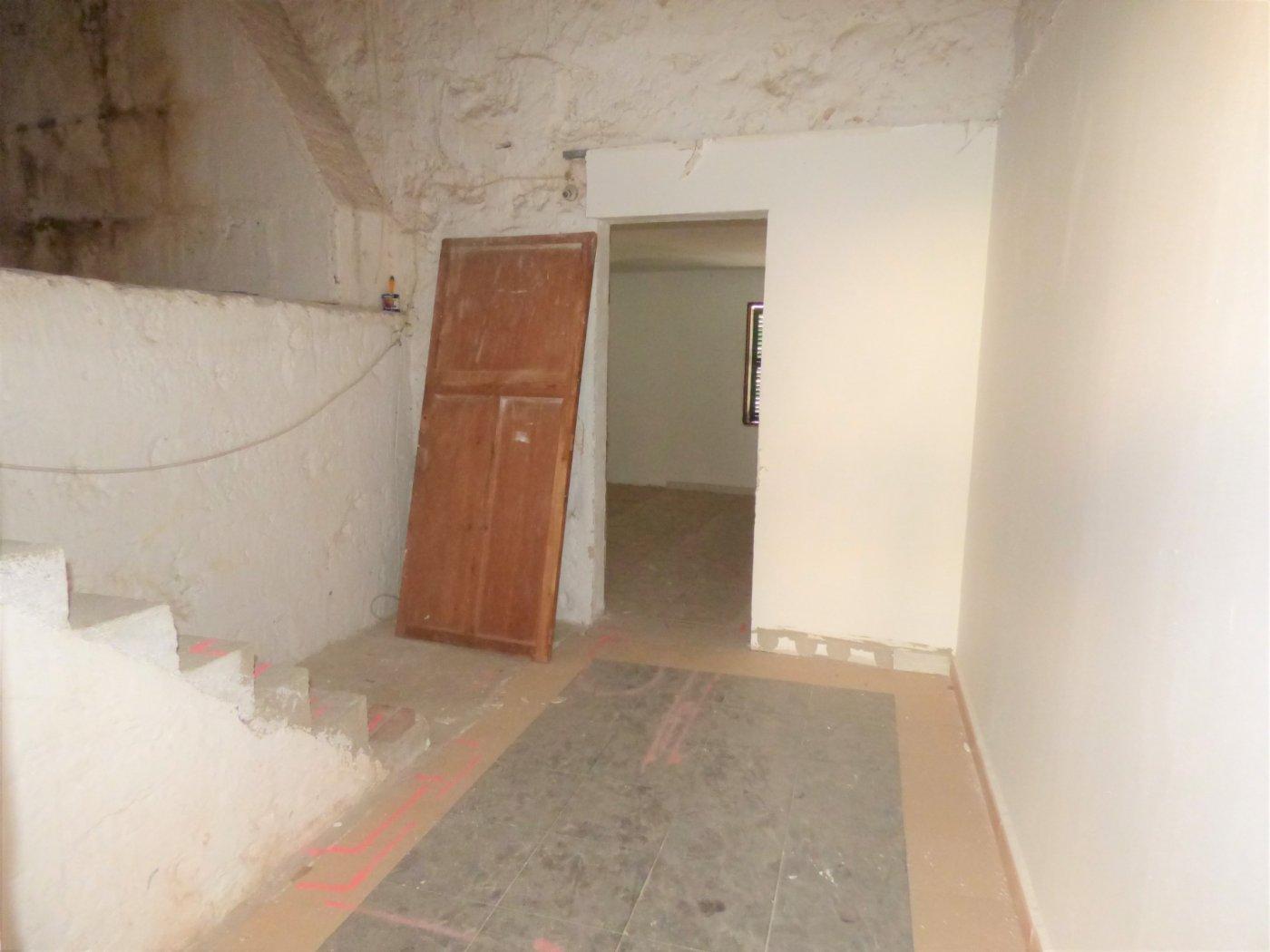 Planta baja a reformar con una altura y techo libre sa pobla pueblo - imagenInmueble35