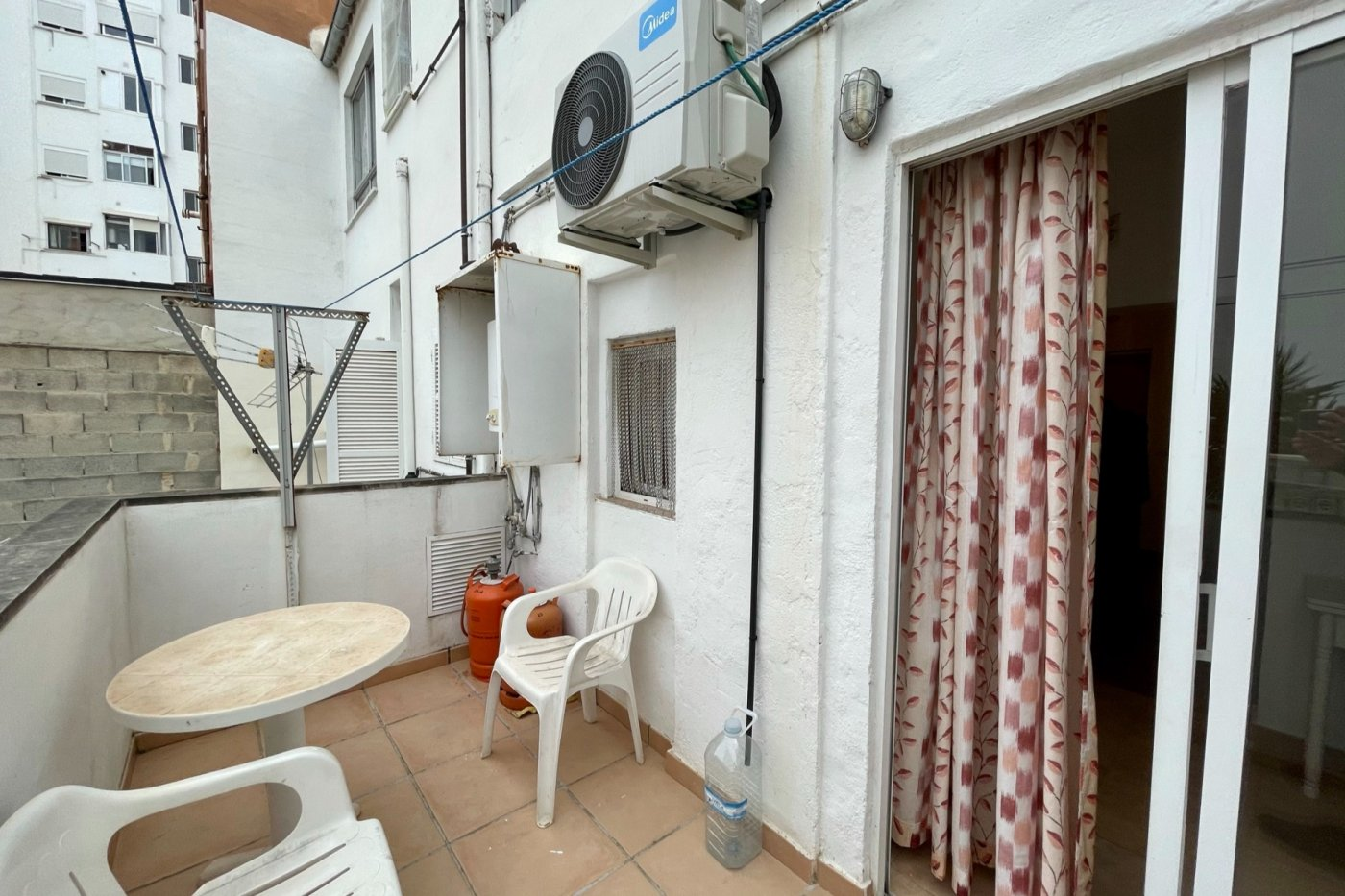 Primer piso semi amueblado de 52 m² de superficie (sin ascensor) en la zona de son cotoner - imagenInmueble11
