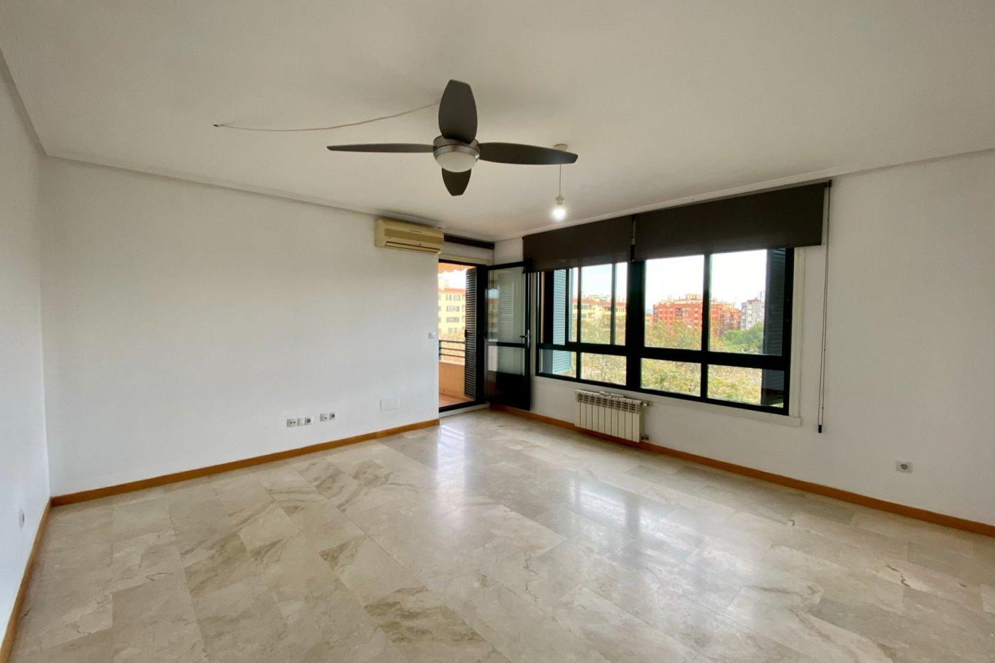 Piso sin muebles de 105 m² de superficie en zona residencial de son cotoner, palma de mall - imagenInmueble0