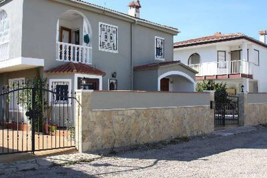 Casa en venta con 181 m2, 3 dormitorios  en Les Cases D´Alcanar