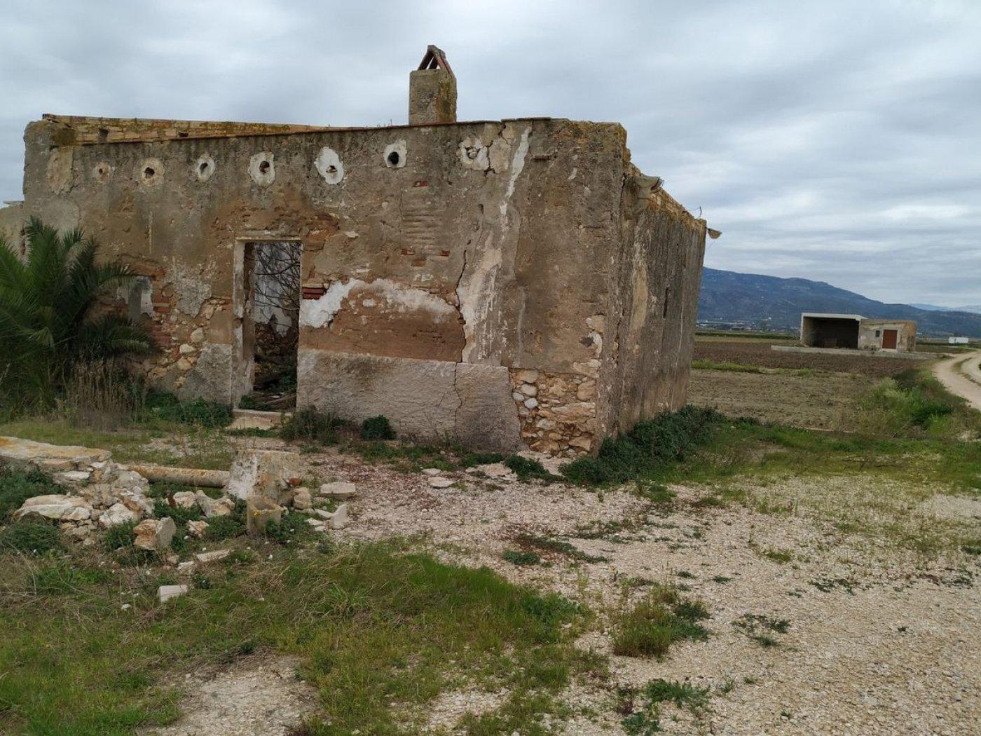 Finca en venta en Rustico, Sant Carles de la Rapita