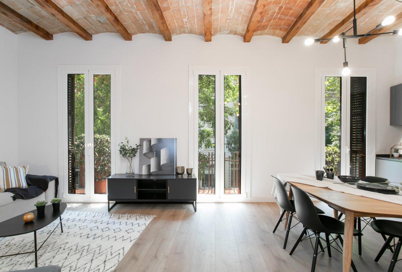 Acogedor piso rehabilitado en la Dreta de l'Eixample de Barcelona