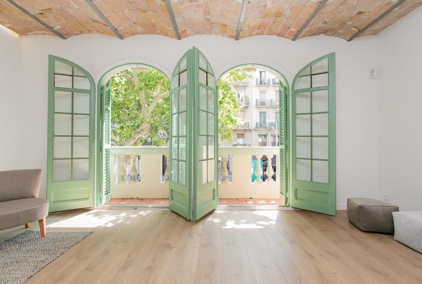 Piso rehabilitado integramente  en Zona Sant Antoni de Barcelona