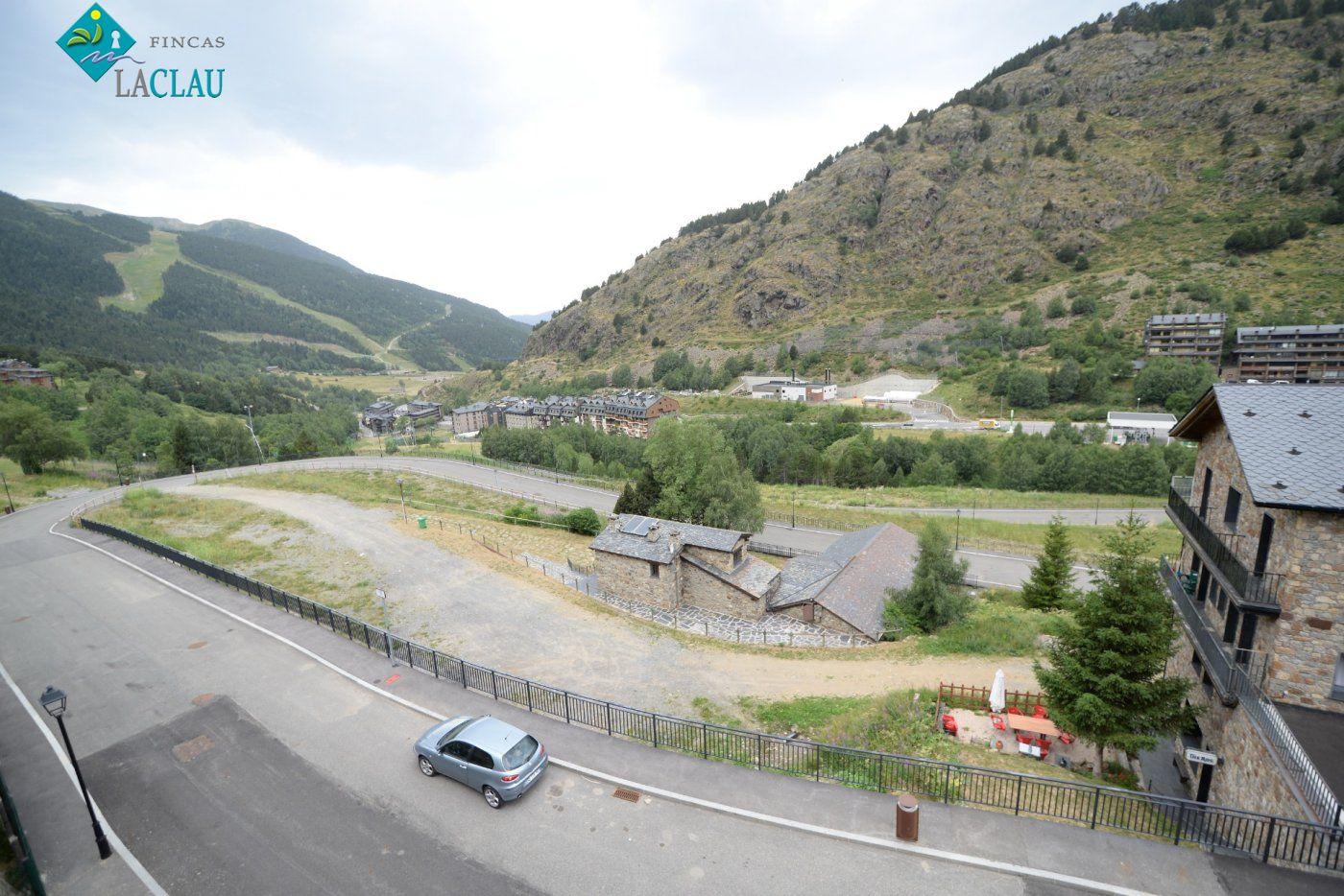 terreno-urbanizable en canillo · canillo 600000€