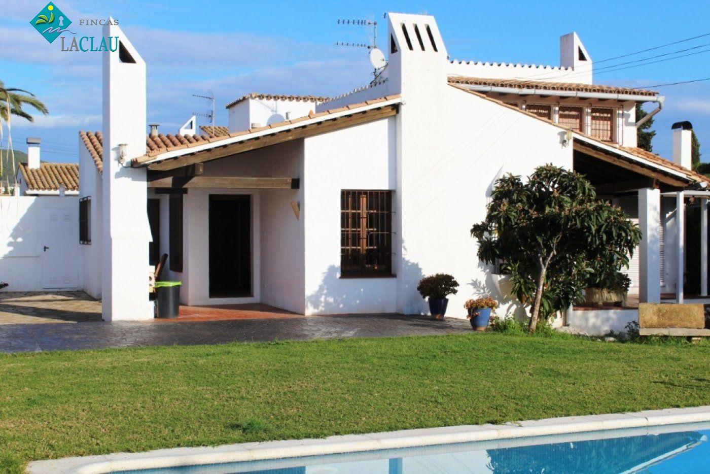 Casa en Los Viñedos - Ref: 09359
