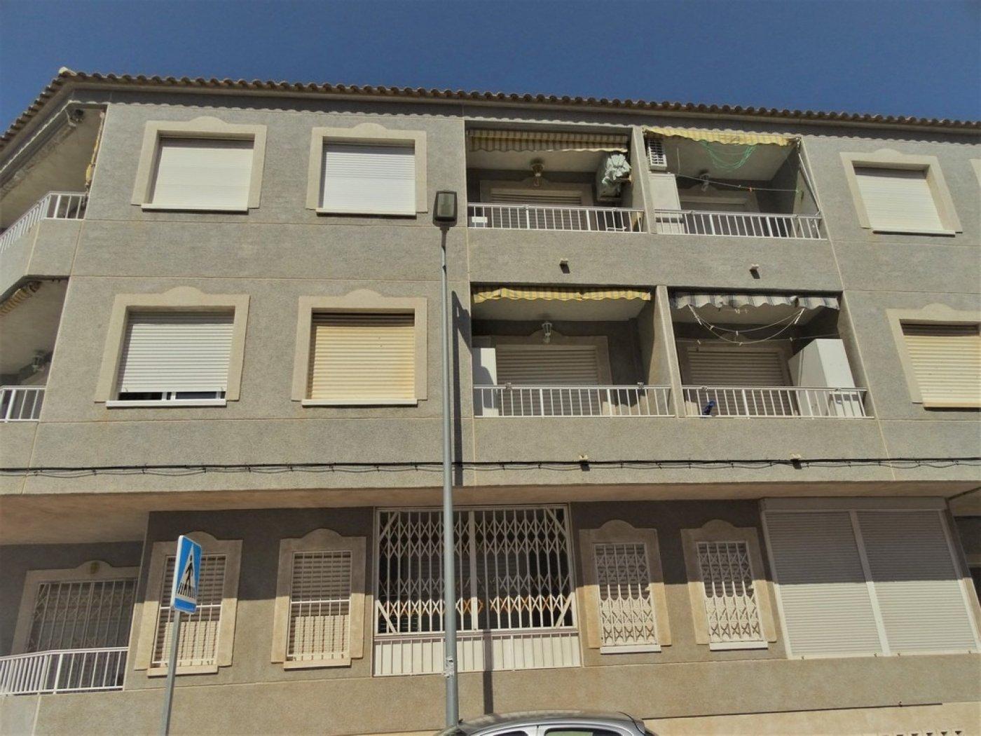 Apartamentos en Torrevieja zona Playa de los Naufragos