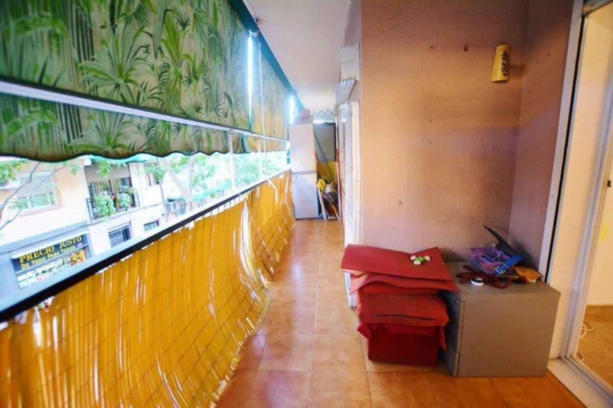 piso en santa-coloma-de-gramanet · singuerlin 152500€