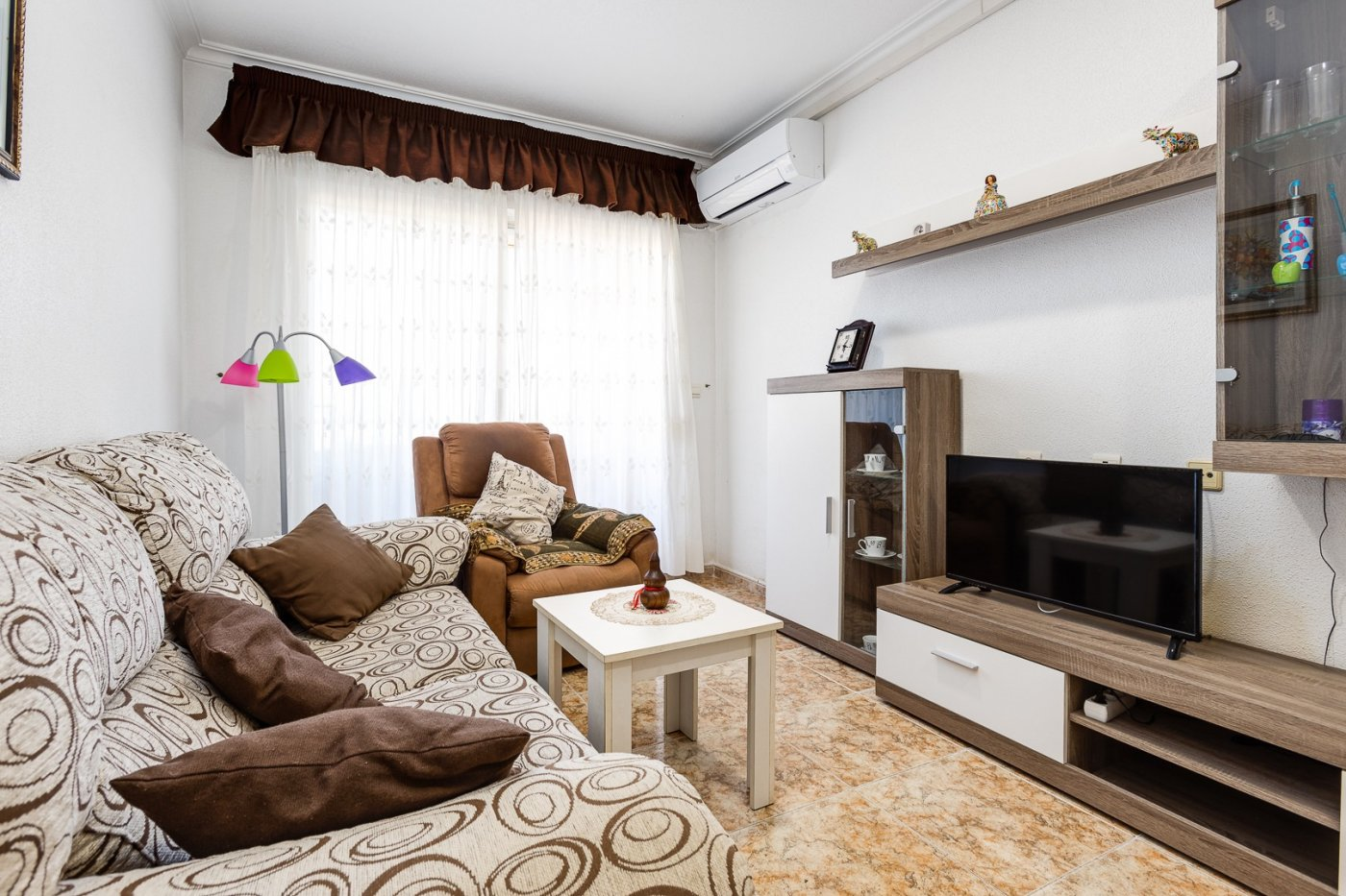 APARTMENT WITH 2 BEDROOMS AND GARAGE, TORREVIEJA