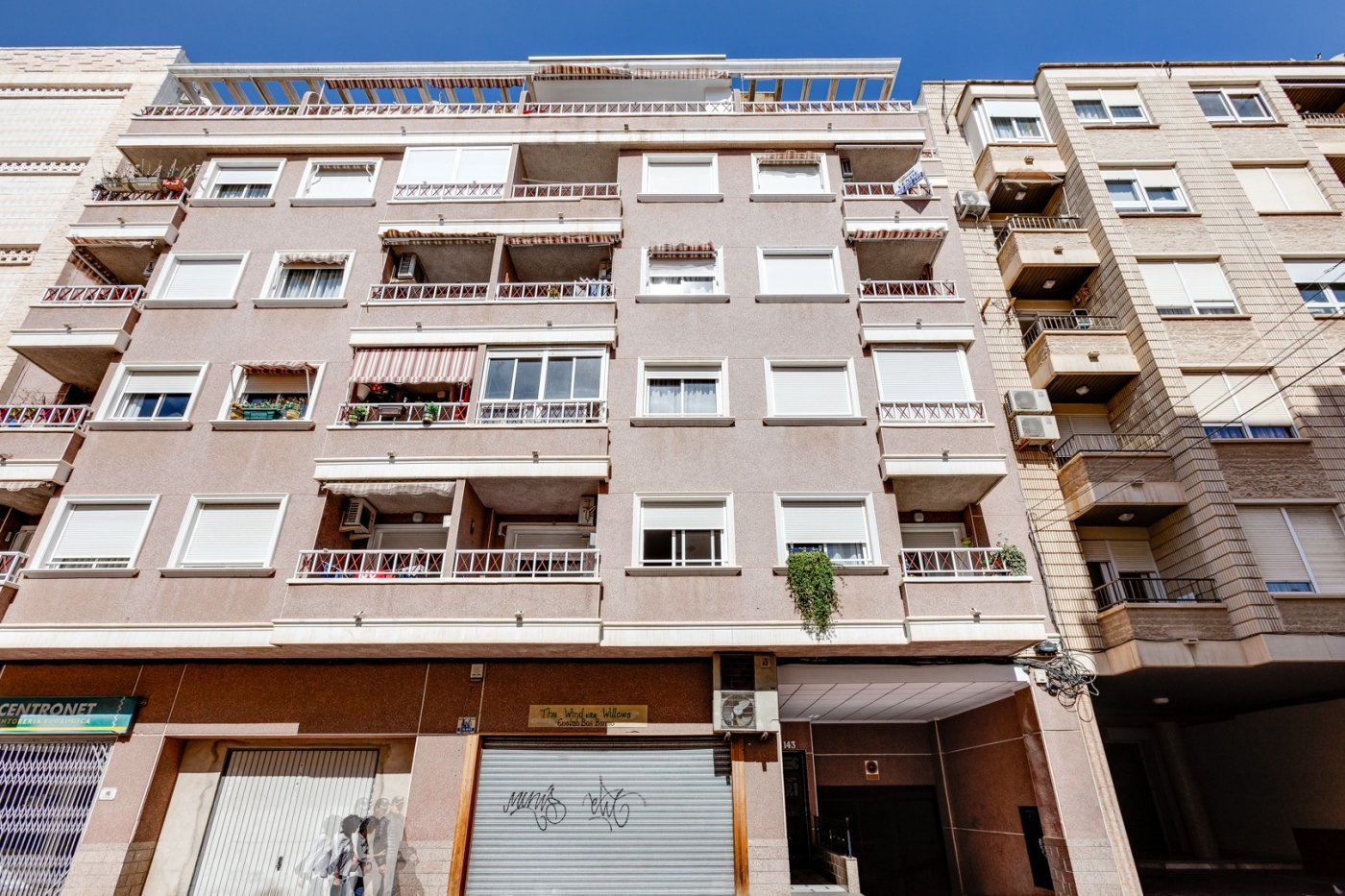 3 BEDROOM APARTMENT + TERRACE + GARAGE + STORAGE ROOM, 400 M FROM PLAYA DEL CURA IN TORREVIEJA
