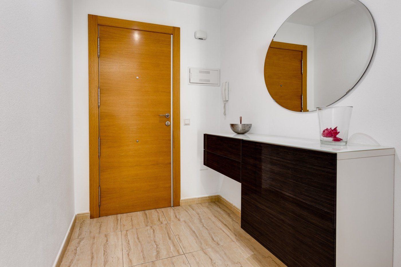3 BEDROOM APARTMENT + 3 TERRACES, FULLY RENOVATED TO 200 M FROM PLAYA DEL CURA