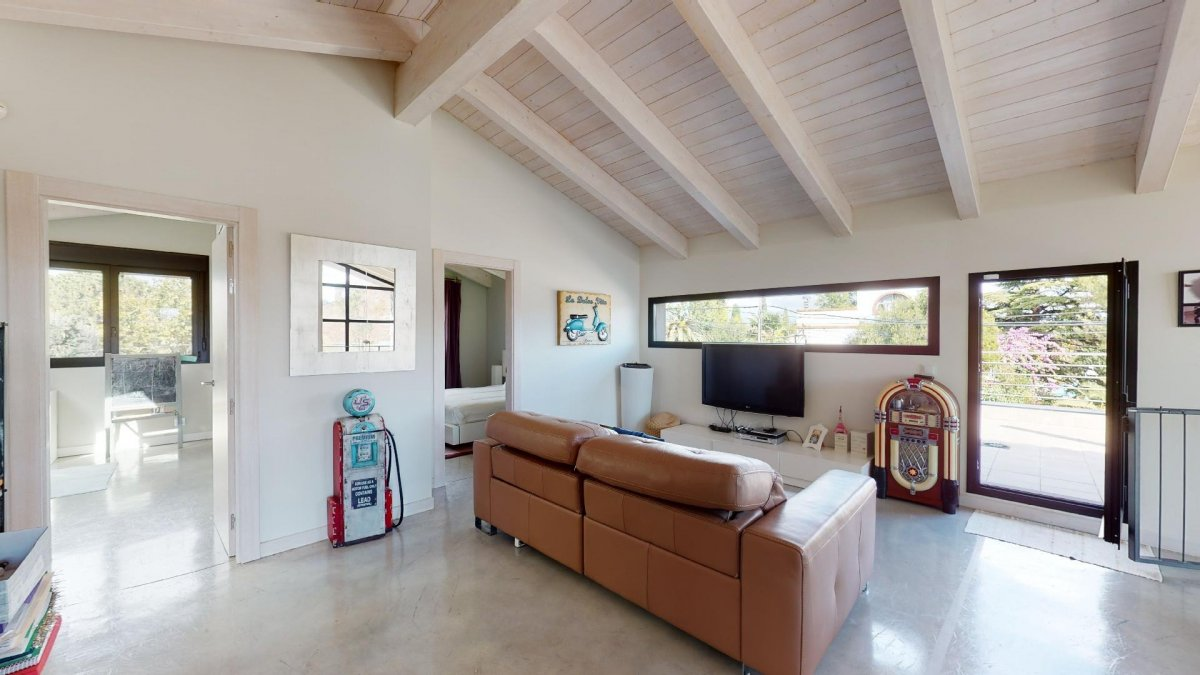 Espectacular chalet independiente. una casa especial en una zona premium. - imagenInmueble24