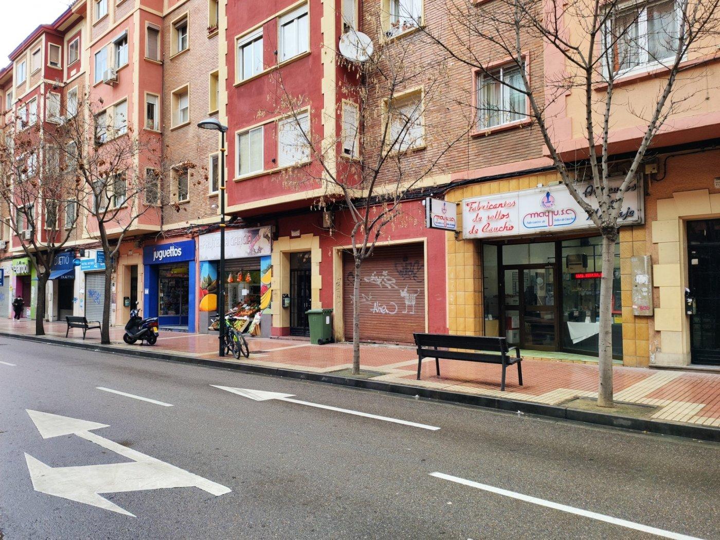 Local comercial en planta calle de 84 m2  útiles con acceso a terraza de 20 metros. - imagenInmueble0