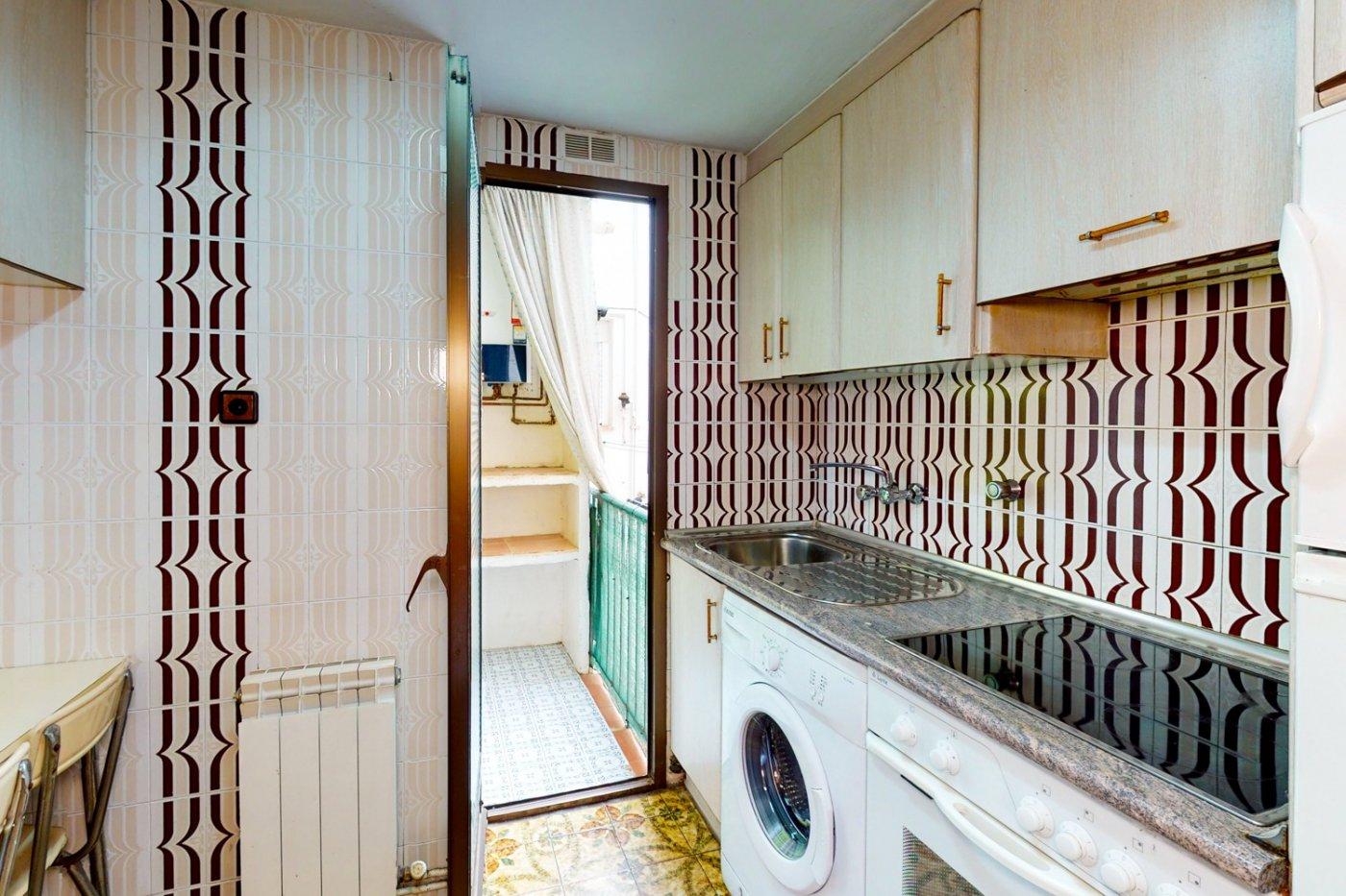 Piso a la venta en c/ lugo, exterior, de tres dormitorios, salon, cocina y baÑo. - imagenInmueble9