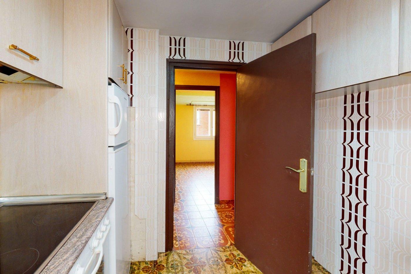 Piso a la venta en c/ lugo, exterior, de tres dormitorios, salon, cocina y baÑo. - imagenInmueble11