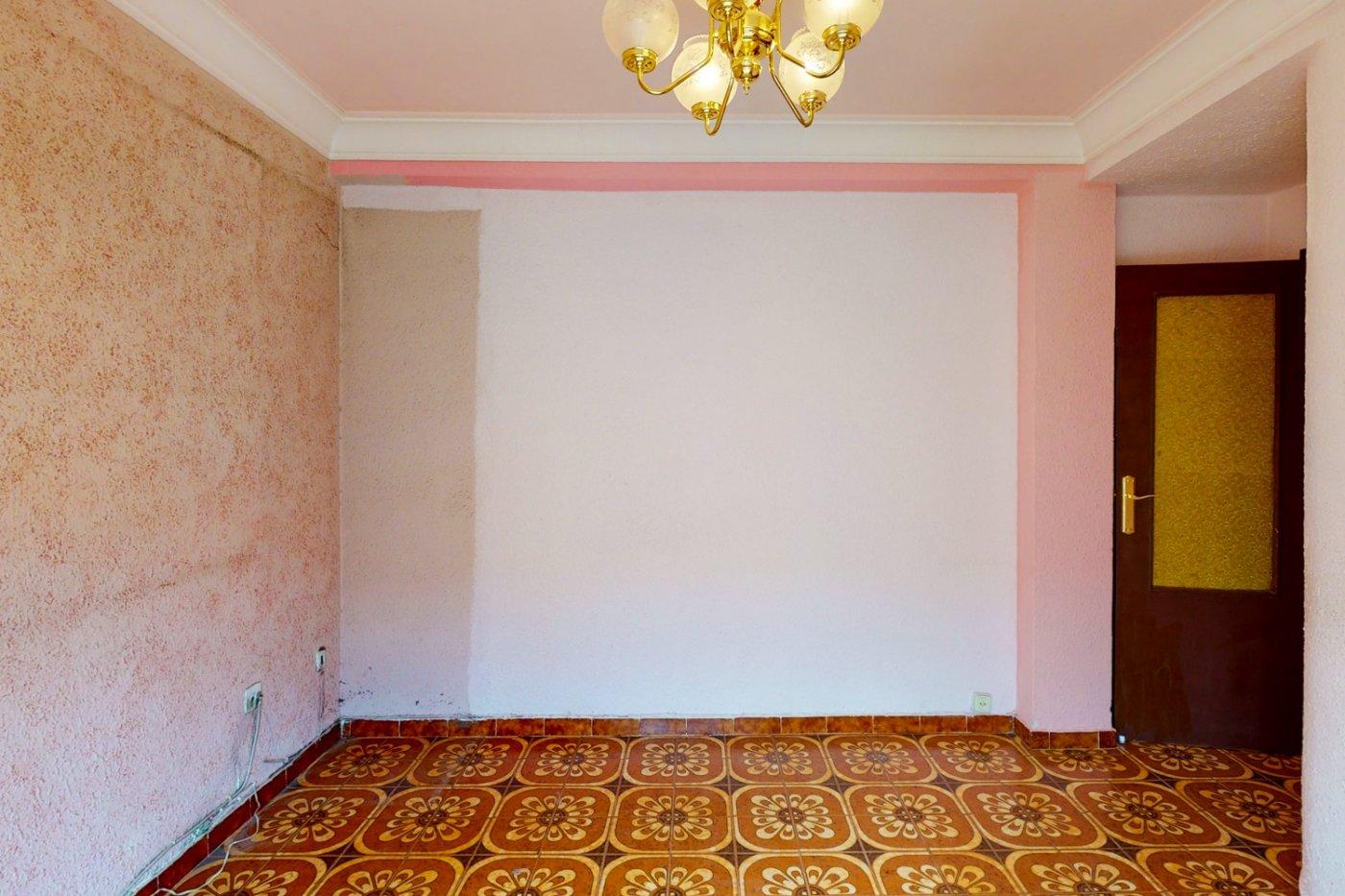 Piso a la venta en c/ lugo, exterior, de tres dormitorios, salon, cocina y baÑo. - imagenInmueble17
