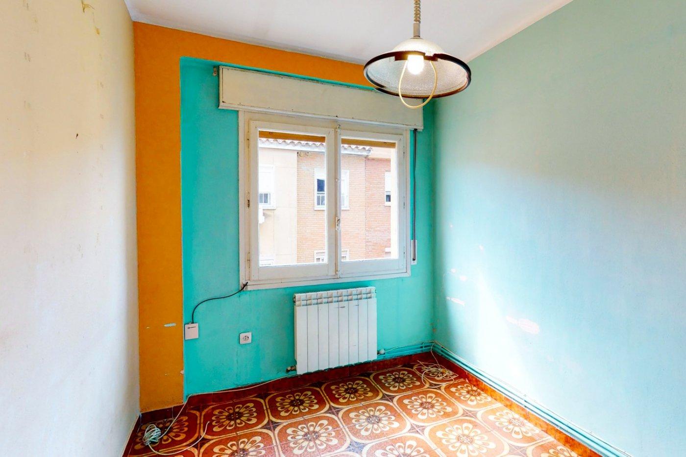 Piso a la venta en c/ lugo, exterior, de tres dormitorios, salon, cocina y baÑo. - imagenInmueble22