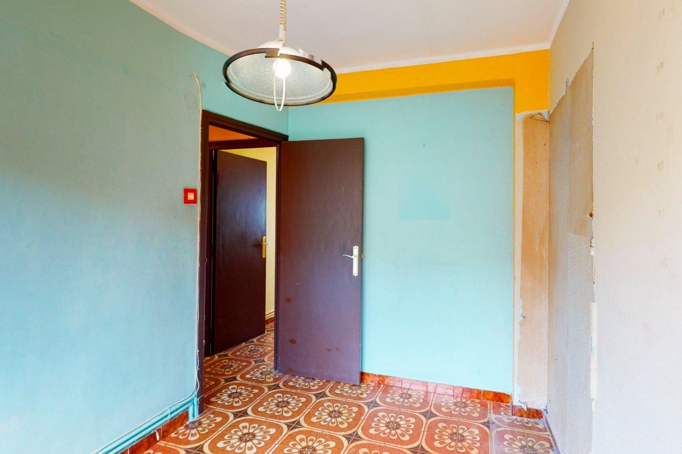 Piso a la venta en c/ lugo, exterior, de tres dormitorios, salon, cocina y baÑo. - imagenInmueble23