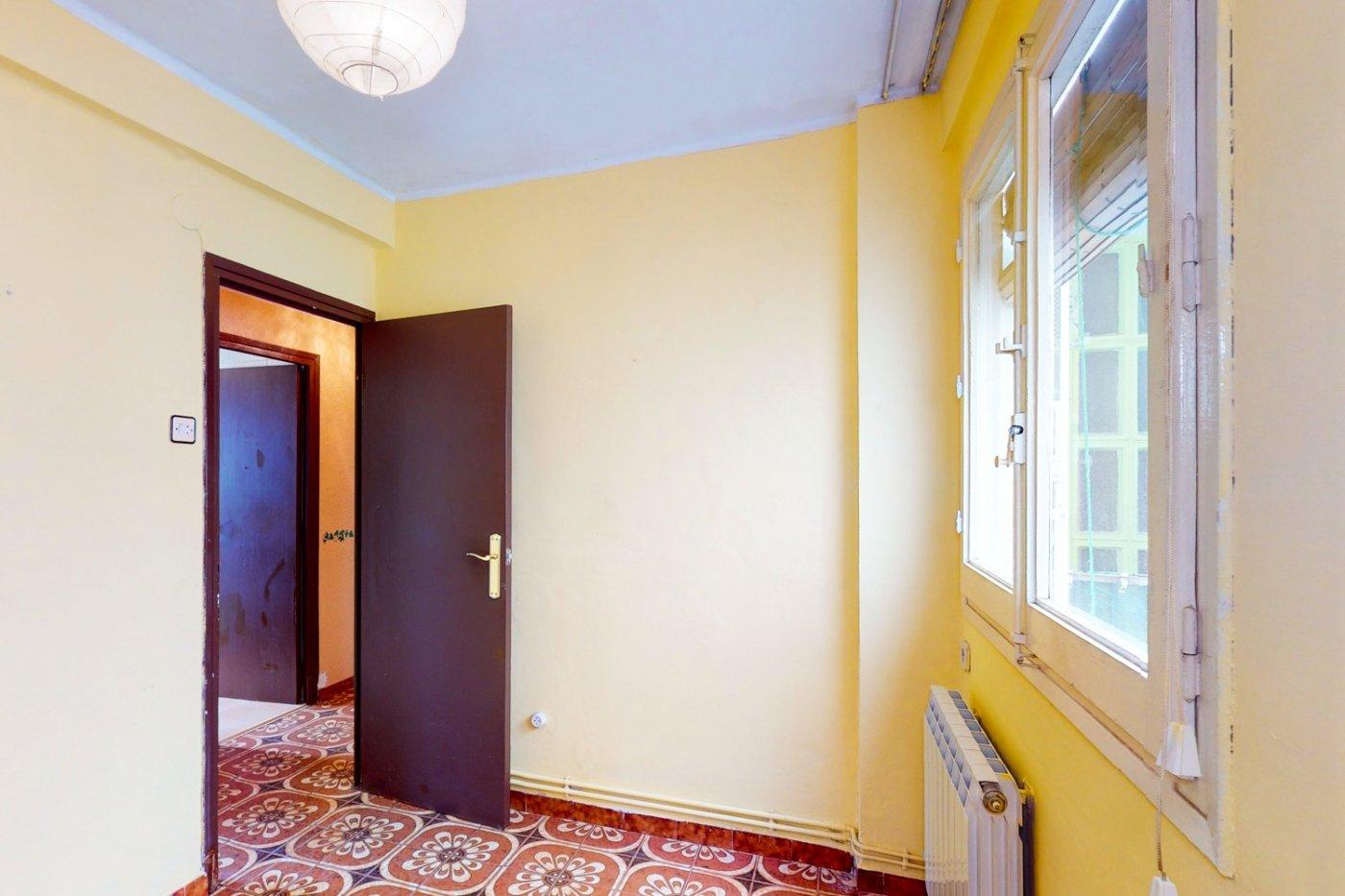 Piso a la venta en c/ lugo, exterior, de tres dormitorios, salon, cocina y baÑo. - imagenInmueble26