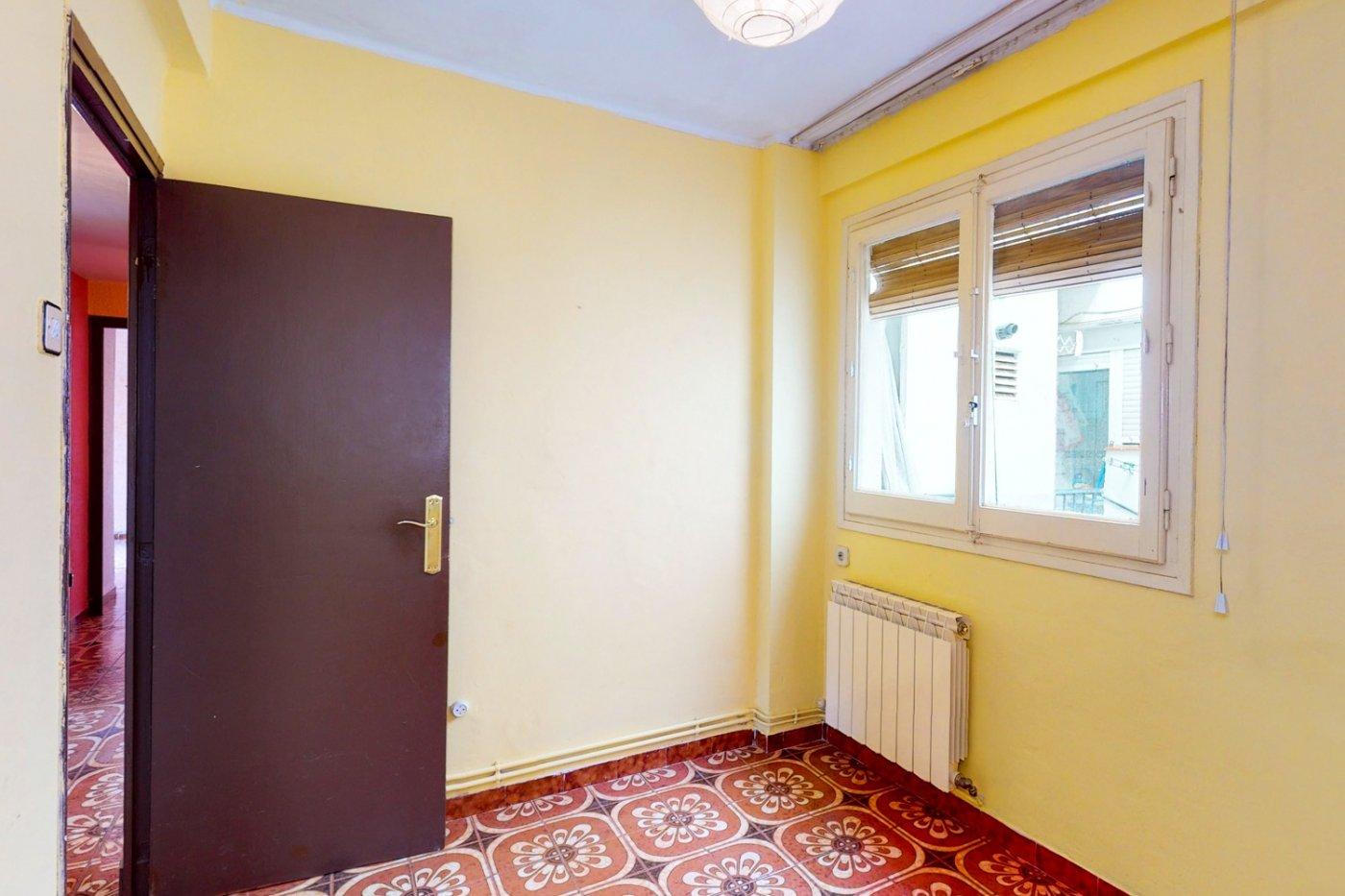 Piso a la venta en c/ lugo, exterior, de tres dormitorios, salon, cocina y baÑo. - imagenInmueble27