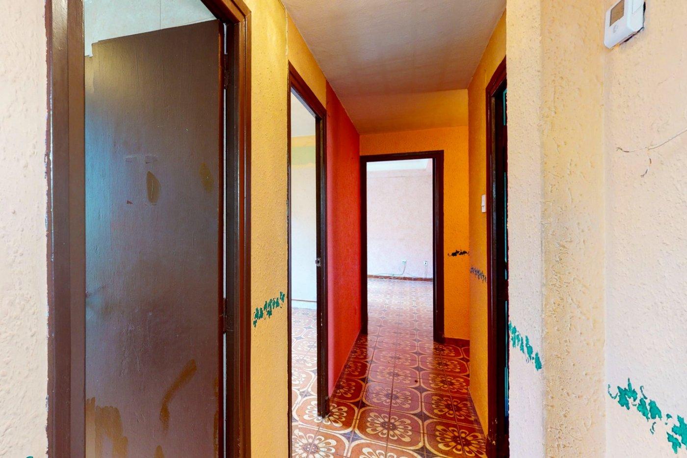 Piso a la venta en c/ lugo, exterior, de tres dormitorios, salon, cocina y baÑo. - imagenInmueble28