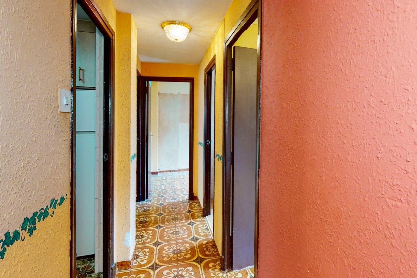 Piso a la venta en c/ lugo, exterior, de tres dormitorios, salon, cocina y baÑo. - imagenInmueble2