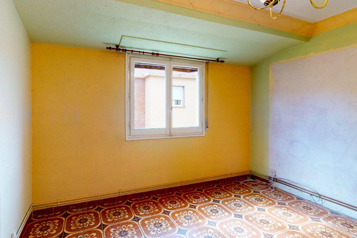 Piso a la venta en c/ lugo, exterior, de tres dormitorios, salon, cocina y baÑo. - imagenInmueble4