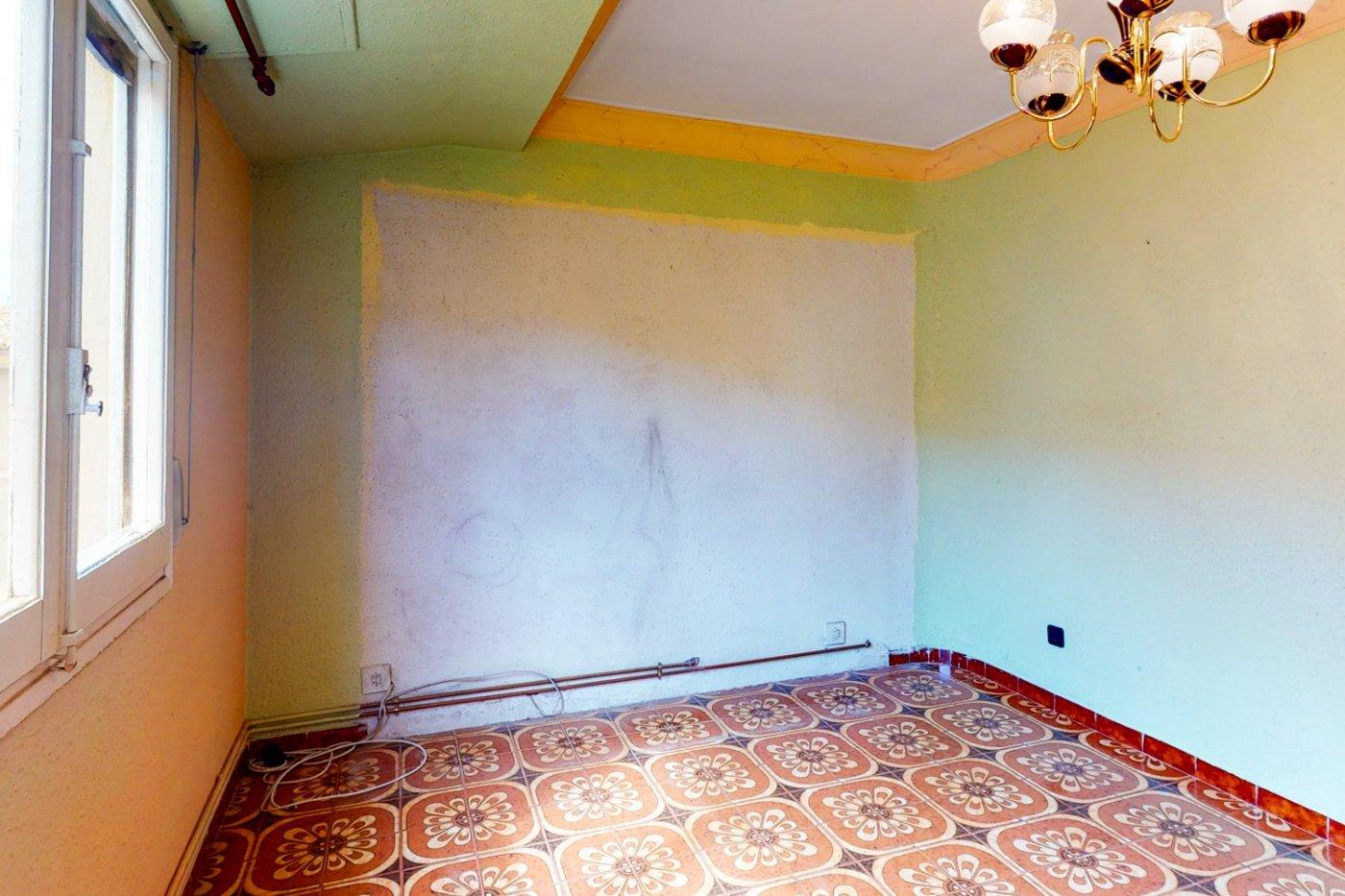 Piso a la venta en c/ lugo, exterior, de tres dormitorios, salon, cocina y baÑo. - imagenInmueble5