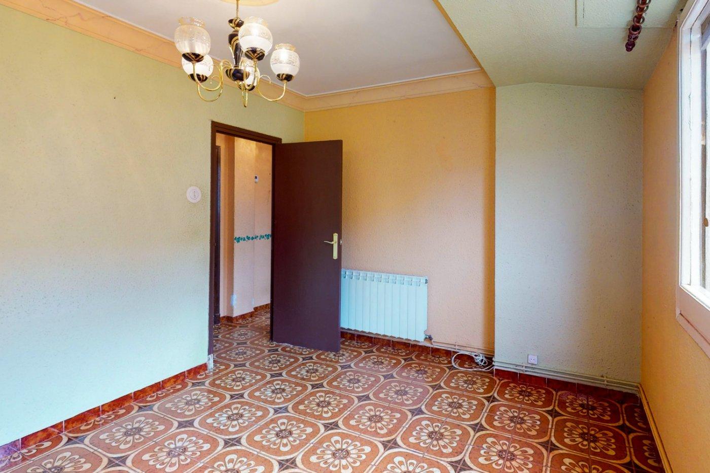Piso a la venta en c/ lugo, exterior, de tres dormitorios, salon, cocina y baÑo. - imagenInmueble7