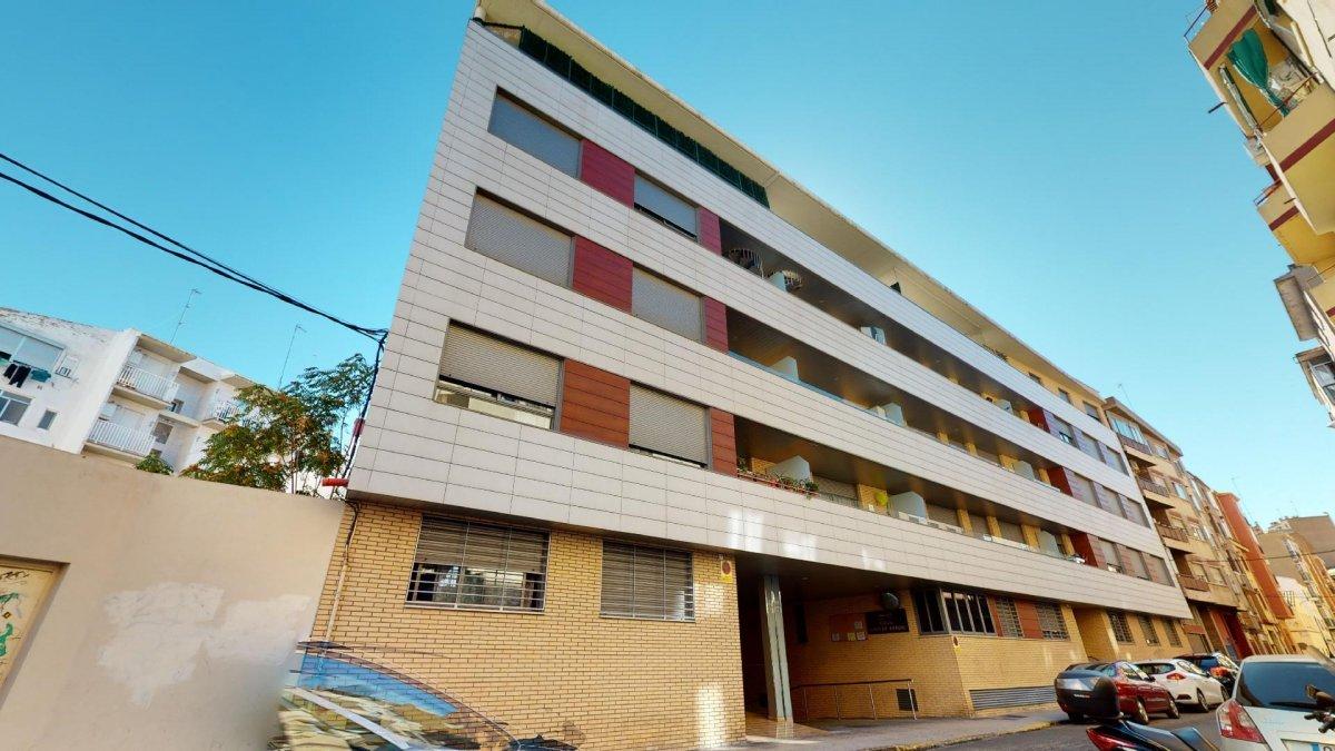 piso en zaragoza · delicias 145000€