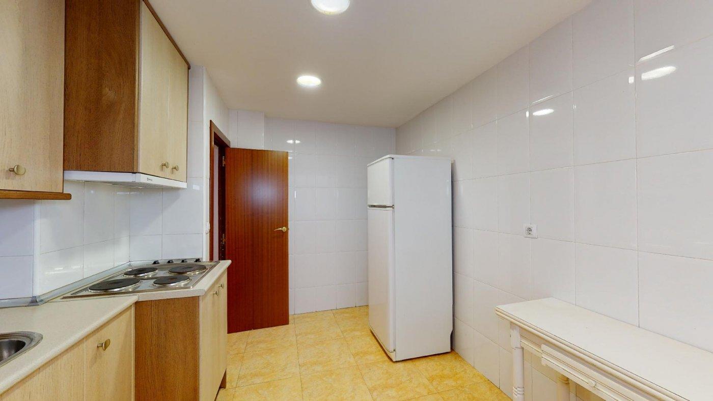 Piso de 3 dormitorios junto a la universidad de zaragoza - imagenInmueble3