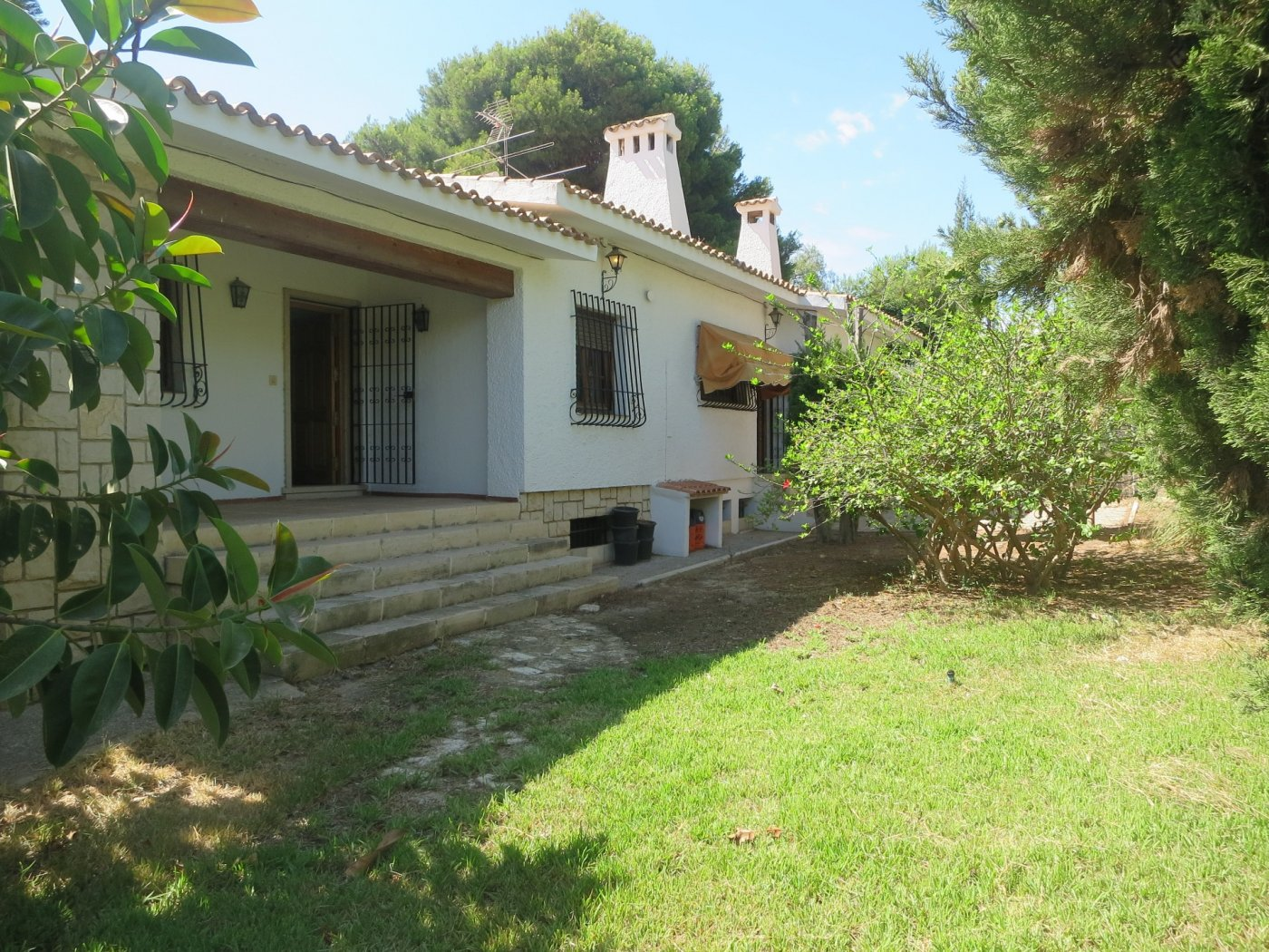 Chalet for rent in Vistahermosa, Alicante