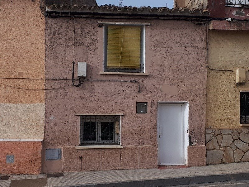 casa en calatorao · centro 28000€