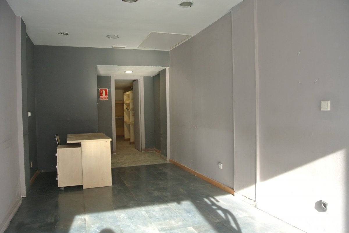 local-comercial en zaragoza · san-jose 450€