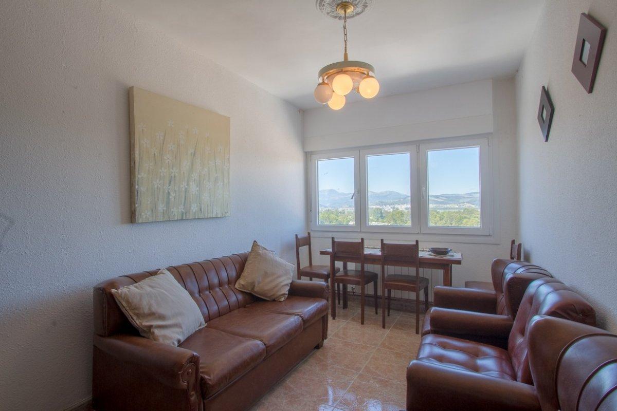 Piso en venta en Laredo  de 3 Habitaciones, 1 Baño y 93 m2 por 154.000 €.