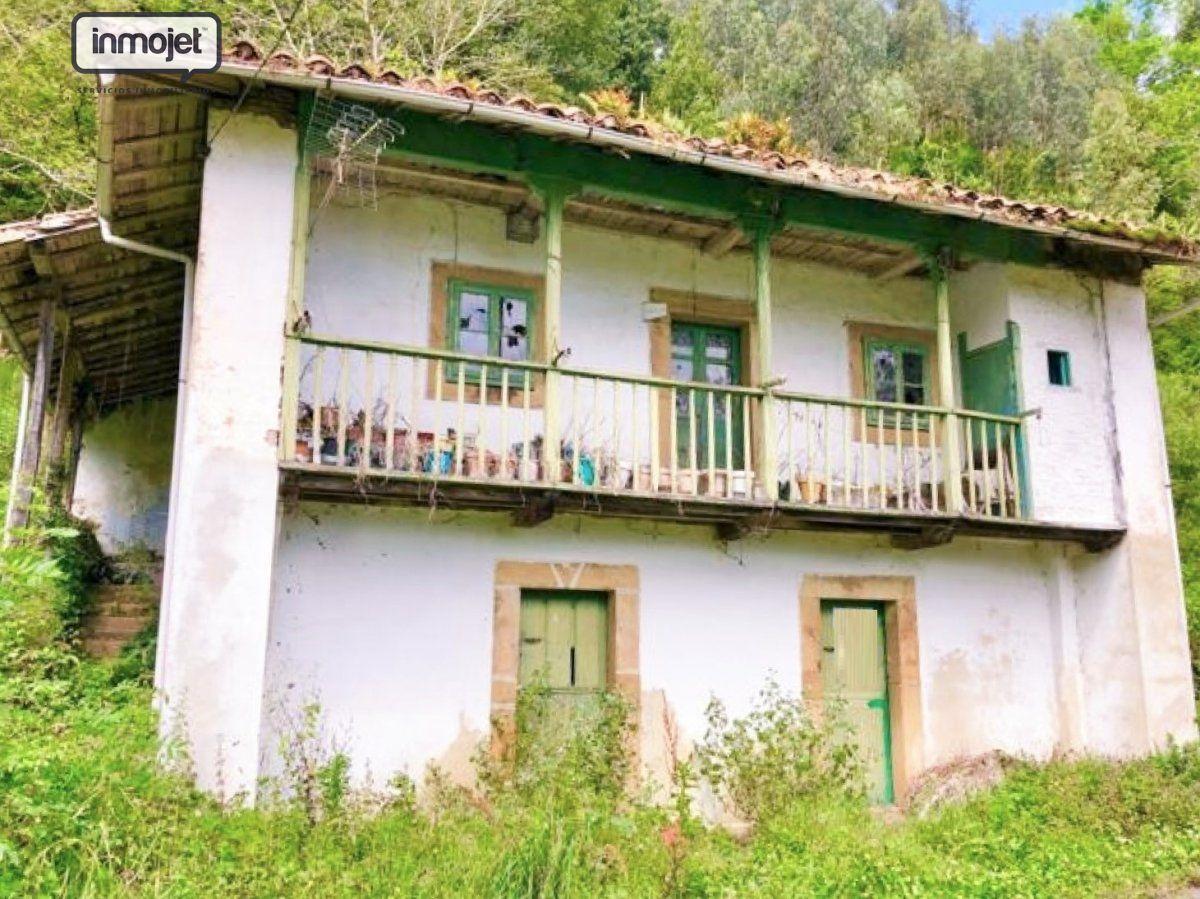 Casa en venta en Villaviciosa  de 3 Habitaciones, 1 Baño y 140 m2 por 29.900 €.