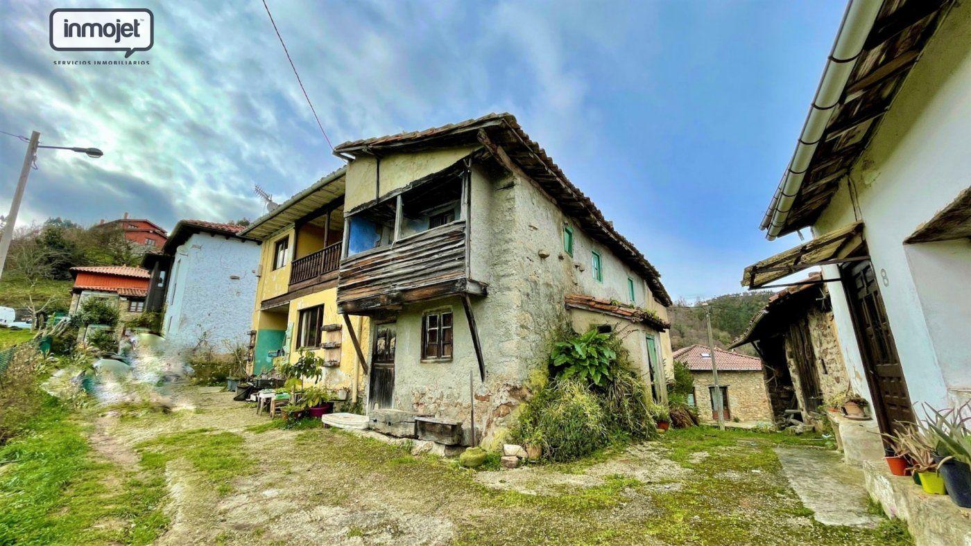 Casa en venta en Villaviciosa  de 2 Habitaciones y 69 m2 por 9.999 €.