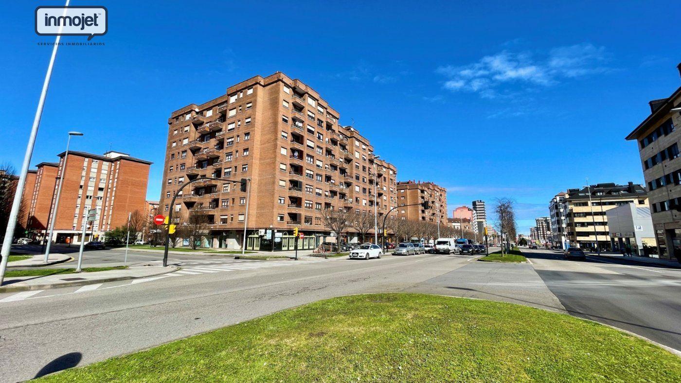 Piso en venta en Gijon  de 2 Habitaciones, 1 Baño y 98 m2 por 139.900 €.