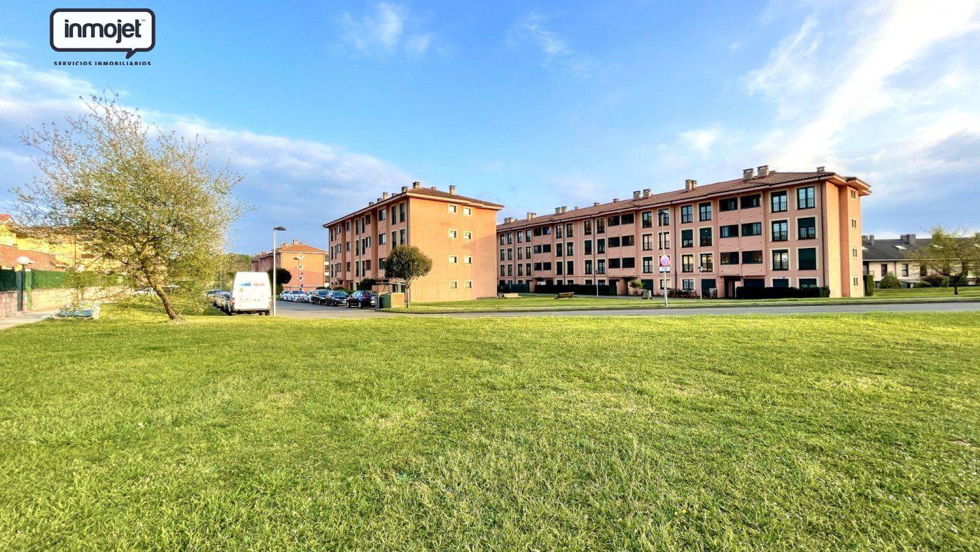 Piso en venta en Llanera  de 2 Habitaciones, 2 Baños y 80 m2 por 129.900 €.