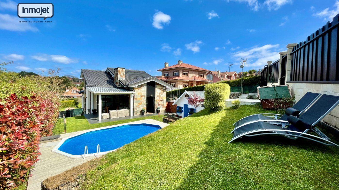 Chalet en venta en Gijon  de 4 Habitaciones, 4 Baños y 270 m2 por 590.000 €.