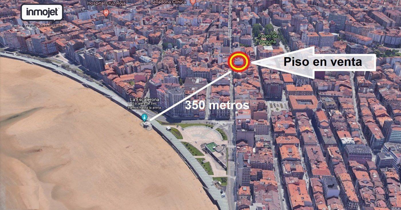 Piso en venta en Gijon  de 3 Habitaciones, 2 Baños y 107 m2 por 195.000 €.