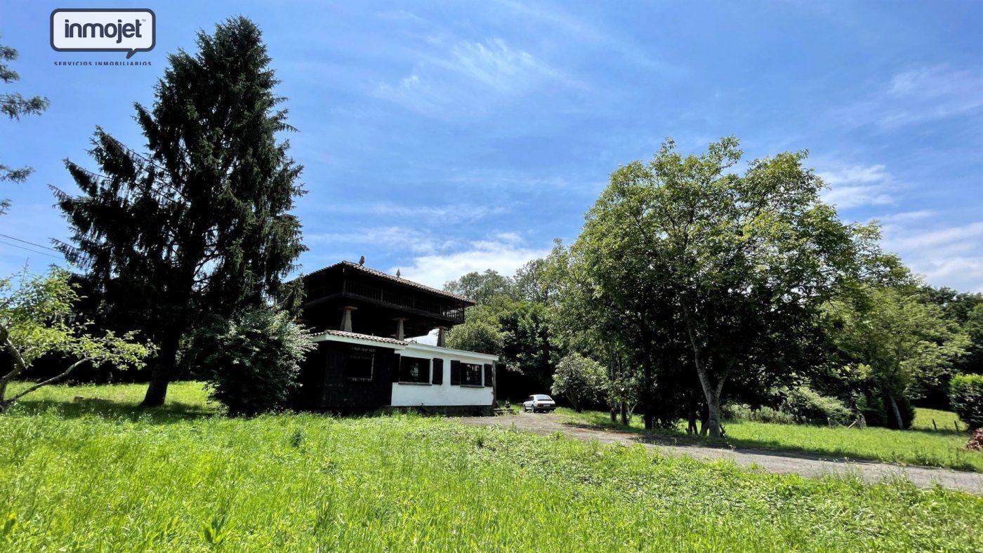 Chalet en venta en Piloña  de 5 Habitaciones, 1 Baño y 140 m2 por 129.900 €.