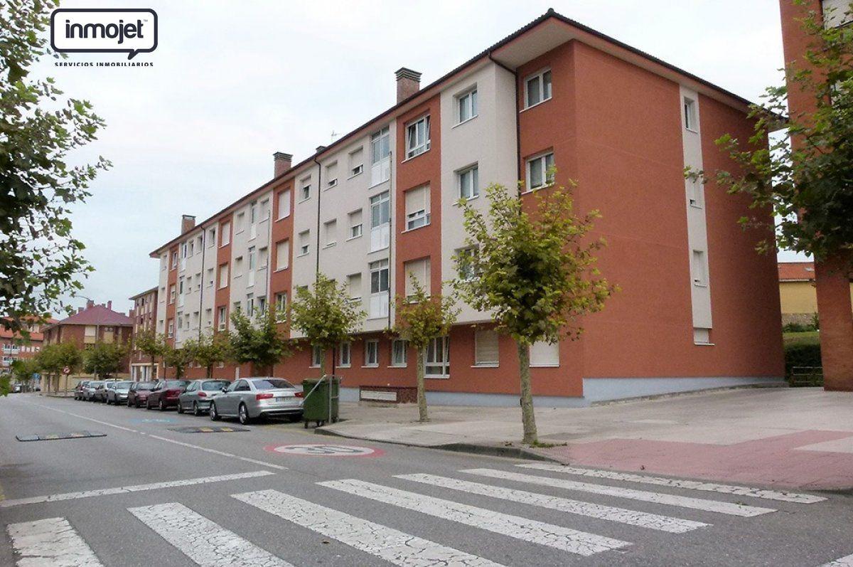 Piso en venta en Corvera De Asturias  de 2 Habitaciones, 2 Baños y 68 m2 por 72.500 €.