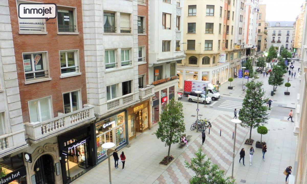 Piso en venta en Santander  de 3 Habitaciones, 2 Baños y 147 m2 por 359.900 €.