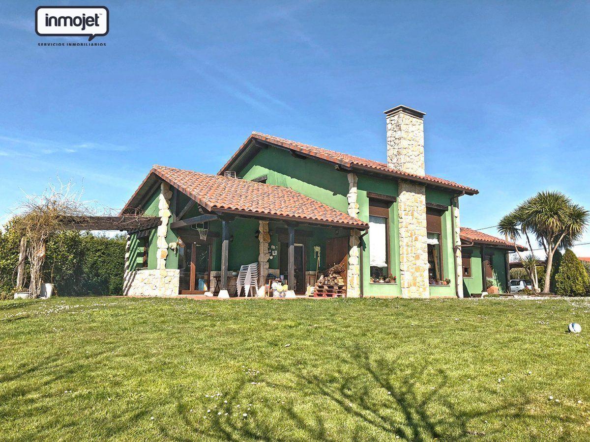 Casa en venta en Villaviciosa  de 3 Habitaciones, 3 Baños y 200 m2 por 249.900 €.